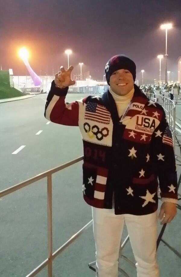 The Eagle Claw was out tonight! If you watch the Ceremony this evening, I'm Row 2, Stage Right during the walk! #CAWW http://t.co/iPHdjuGKWL