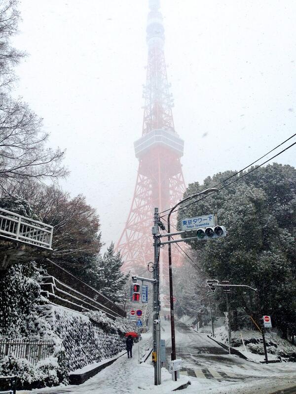 東京タワー❤雪!! #tokyo #snow #tokyosnow #tokyotower http://t.co/5yjdARd4vu