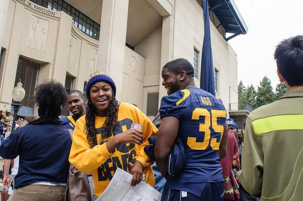 Cal DE Ted Agu died today during workouts. His family is in our prayers! http://t.co/hzhzA3641P http://t.co/A0oFe89wKk
