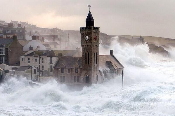 Wicked waves! Church bashing in Porthleven, Devon, photo by Lloyd W.A. (@devonshots) #ukstorm http://t.co/04X8mcyevy