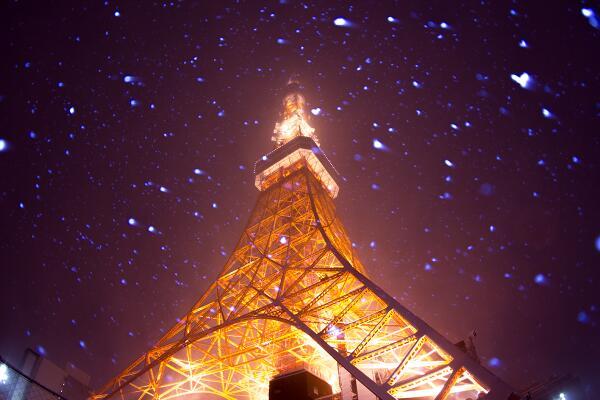 吹雪の東京タワーどーん。 http://t.co/XWFUU9JRKq