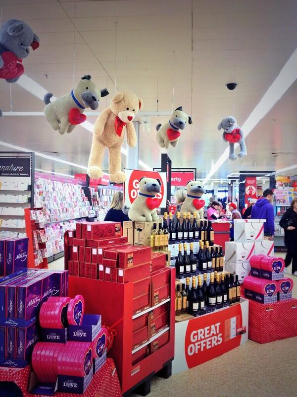 The pressure of #ValentinesDay has proved too much for the toys at my local Sainsbury's http://t.co/BJSbiafWWg