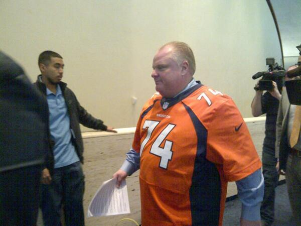 Sorry, Denver Broncos: Rob Ford held a press conference wearing your jersey. https://t.co/RZTebZdIxp (That's usually the kiss of death.)