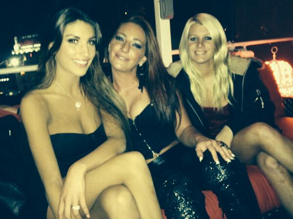 @XBIZ  Party with a few of my lovelies including @AugustAmesxxx @BigBootyFoxxx  and @LaelaPryce   They love to party http://t.co/o9deR50H6P