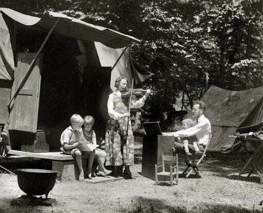 Little Pete Seeger on his father's lap in 1921. http://t.co/5uWQ41IrB0 - By National Photo Co. #peteseeger #rip http://t.co/zwTvUvxGLQ
