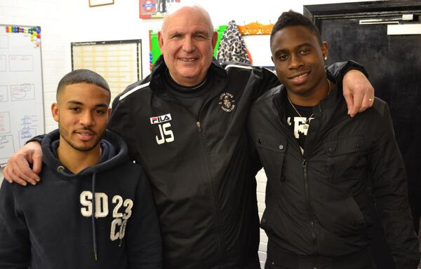This picture probably deserves 1,000 RTs, no? @Jernade_R_Meade and @PellyRuddock #newboyswiththeboss #COYH http://t.co/3LNmk9di81