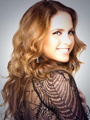 @LuceroMexico gracias por hacerme feliz con tan solo mostrar tu perfecta sonrisa. Te quiero para siempre♥ http://t.co/PB34PtWBt4