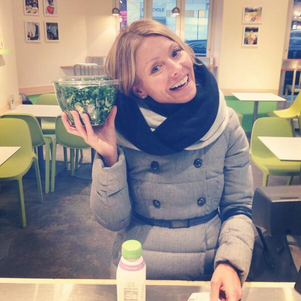 Guess who gets her salad fix at our UES store?!?! @KellyRipa does! Thanks for stopping by Kelly! http://t.co/YWL8Gm0dBT