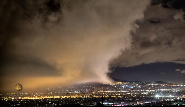 Athens, not in fire, but in rain. Photographed this afternoon at around 19:20 #Greece #athens http://t.co/mPOLnlxCJv