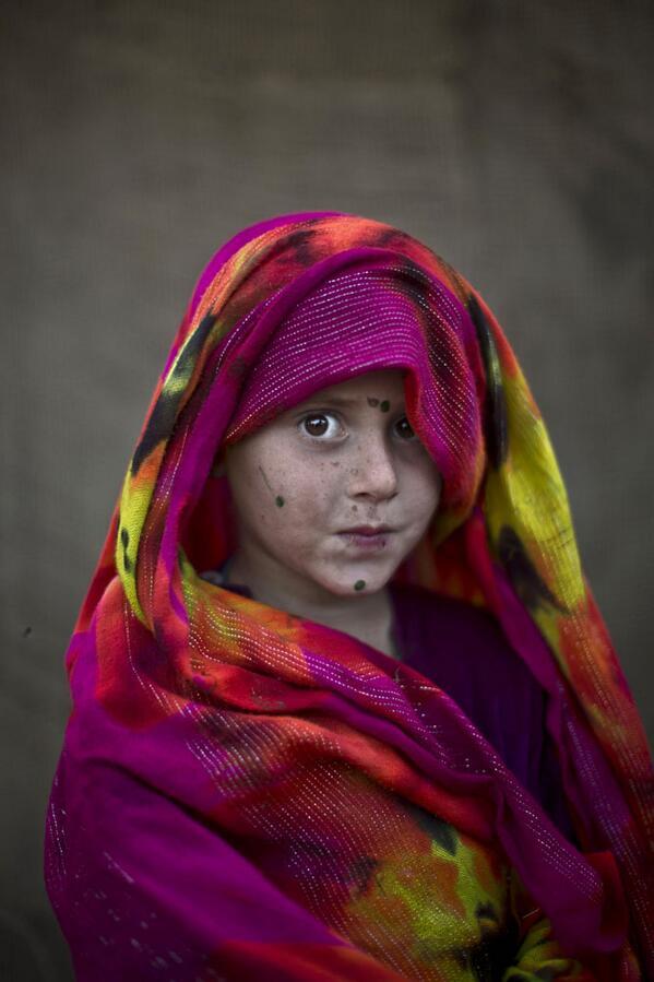 Striking Portraits of Young Afghan Refugees in Pakistan. (Photo: Muhammed Muheisen—AP) @Muheisen81 @AP_Images http://t.co/1iw6RyDLOx