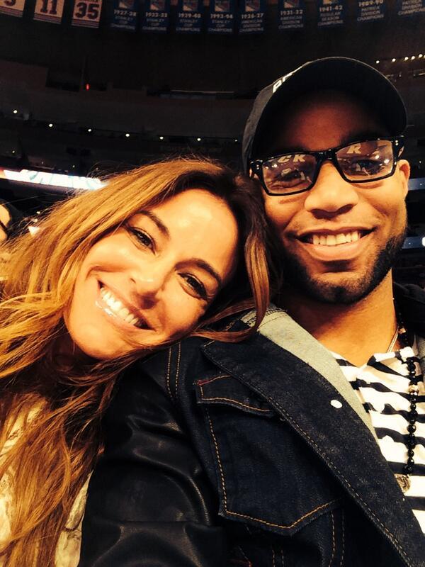 Say hi to @ShowtimeTate @nyknicks #SuperBowlXLVIII http://t.co/RRVncMA1qb