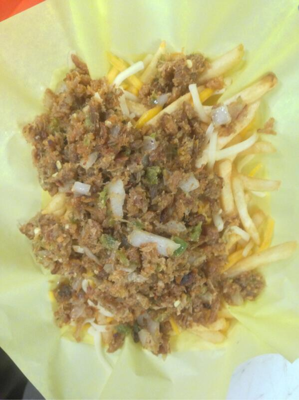 Craving #sisigfries? Visit @WRcafeCanoga in the #818 open til 10:30pm! #filipinofusion http://t.co/eAsl9Mqm5g
