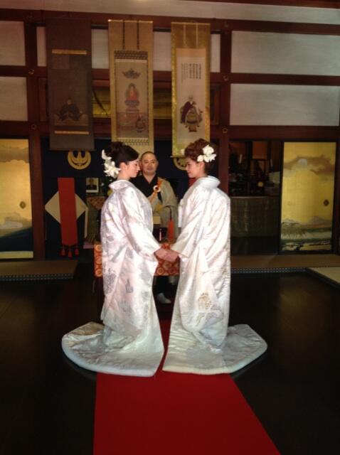 LESBIAN WEDDING仏前式!LGBT同性婚ウエディングパンフ撮影快調です。快晴!!!すっごく素敵。at 春光院 KYOTO http://t.co/8dDBelRxiZ