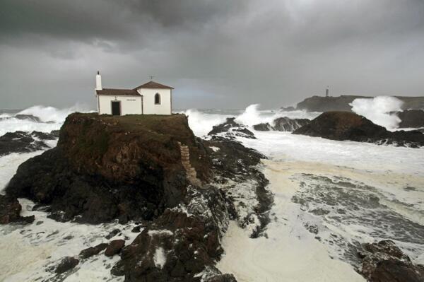 Galicia bate en un mes el récord de precipitaciones de los últimos 13 años http://t.co/Er5PdesZbv http://t.co/jjKCMQmxRW
