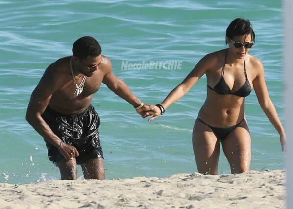 """JuJu got thick... in a good way! """"@necolebitchie Is Singer Maxwell Dating Julissa Bermudez? http://t.co/hxkzJpcf9j http://t.co/Oqj9AG0BSa"""""""