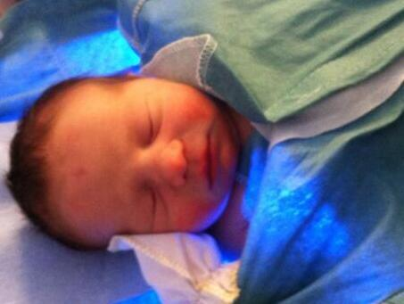 Meet Grace, who was born inside a car on gridlocked I-285 on Tuesday. http://t.co/x2F2UihzhX #atlweather http://t.co/sBkVp9GDGw