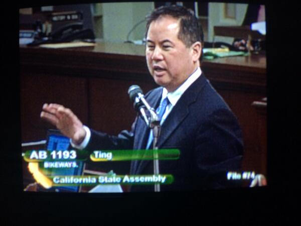 AB1193 allows protected bikeways in CA and passed out of Assembly w/54 votes! @CalBike @sfbike http://t.co/Q9gNAqN7ZL