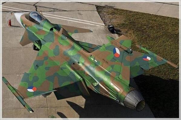 """#RT Mrs G @Kluropsbird Oooof .Sexy RT""""@JMESPARCIA: Czech Republic JAS-39 Gripen http://t.co/A7Hu80I8u4"""""""