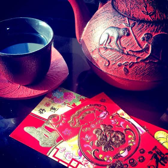 The color red wards away evil and brings good fortune. Pass it along! #ChineseNewYear http://t.co/6z7LWZKnpb