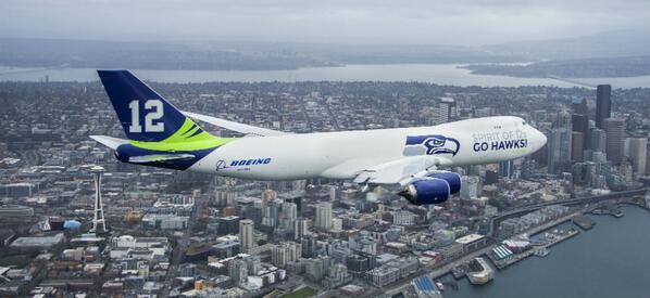 Follow the special @Seahawks @BoeingAirplanes 747 making the 12 over E. Washington right now http://t.co/XtnJBVv8Vb http://t.co/tjRrNNxFKC