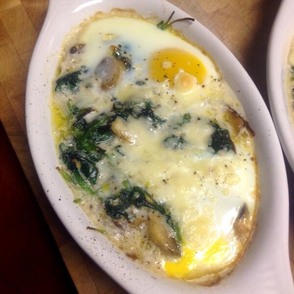 RT @JaySmith273: Nice little egg bake @GuyGourmet #foodporn http://t.co/KKEs4NOmhF