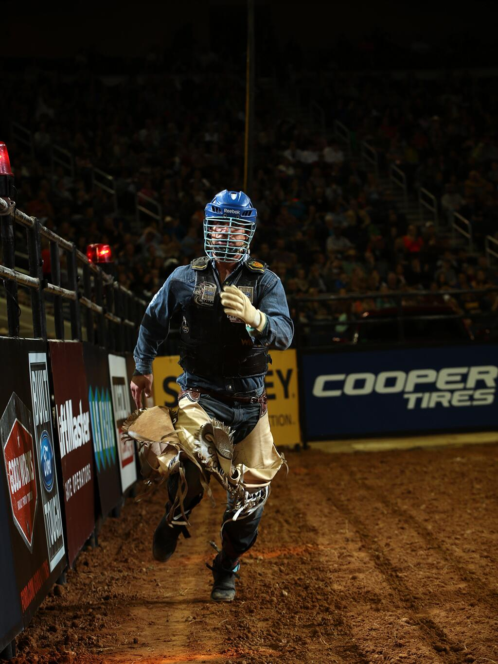 RT if you think @MikeLeePBR will ride Addiction and hustle his way around the dirt in celebration. #PBRSAC http://t.co/uOQvC08NOj