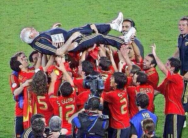Cambiaste la mentalidad del fútbol español. Descansa en paz grande! #elsabio http://t.co/351mlwxIwB