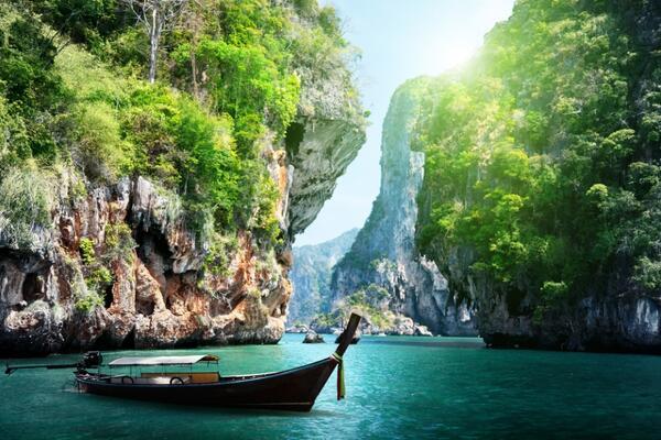 Krabi http://t.co/bQEoJHahNE is #Thailand's Hot New Destination http://t.co/vFKOaZcUco