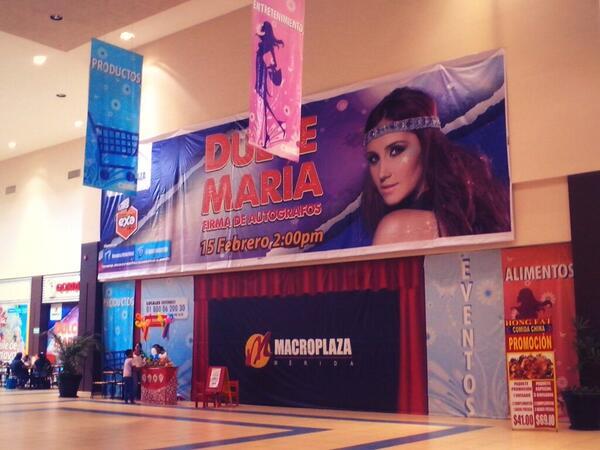 Hoy fui a @Macromerida y me encontré con esta hermosura! Ahí será la firma de @DulceMaria el 15 de Febrero en 1semana http://t.co/PJlr4fE5Vr