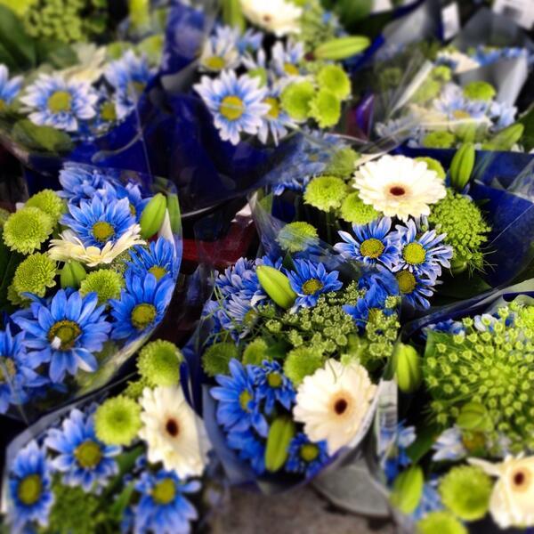 The @MetMarket floral dept has gone Beastmode #gohawks #WhosGonnaWin #seahawks http://t.co/yq9U6Y8V3m