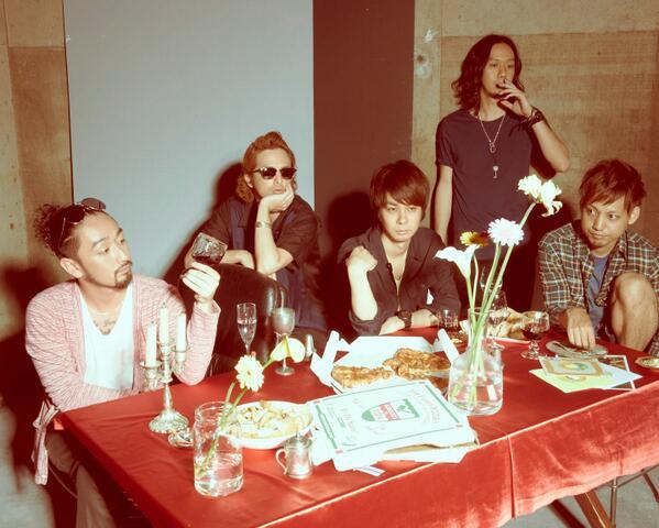 일본 문화에 한창 빠져있던 열다섯 살, 일본 록 밴드 오렌지렌지의 노래에 빠져 살았었는데요 2002년에 데뷔한 오렌지렌지가 처음으로 내한 공연을 한다네요 http://t.co/uLced24Bxg http://t.co/Q8QHa9purA