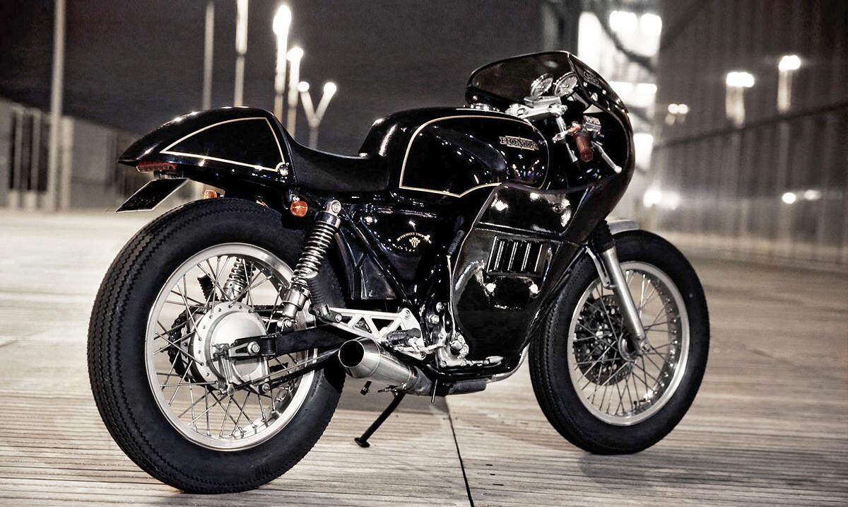 A classy Honda GB500 road racer from @4H10paris. Chic, non? http://t.co/Nhhc1CDV2b
