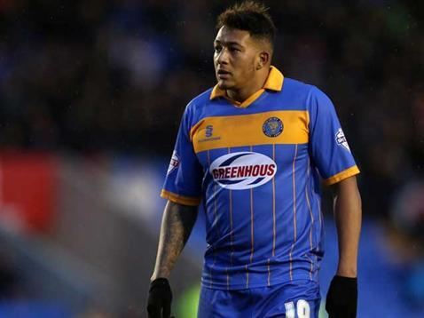 How awful does Mendez look? Christ. #pufc http://t.co/WdBysK7BmX