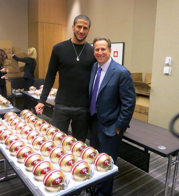 Great hosting @Verizon Chalk Talk with 49ers star quarterback, @Kaepernick7 ! http://t.co/z8cyxmgk5p