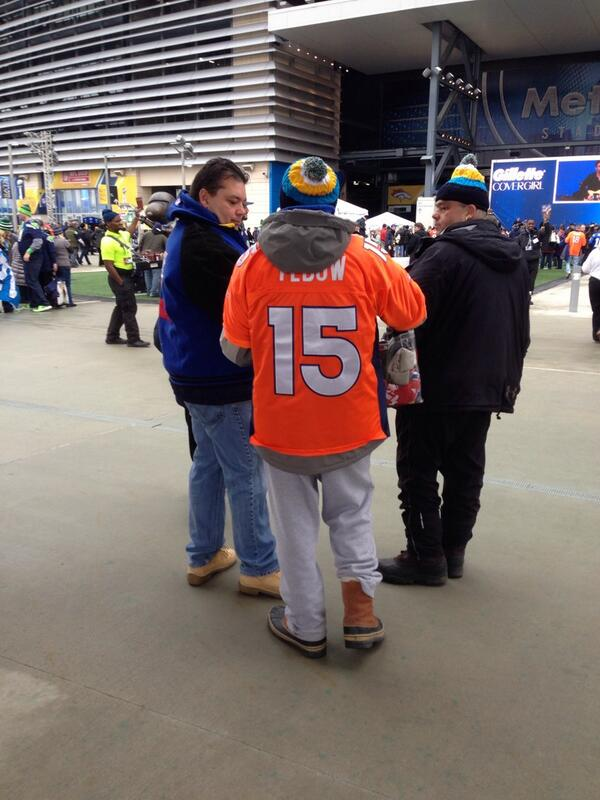 Wow...didn't think I would see this jersey at the Super Bowl. http://t.co/lap59wh4Hn