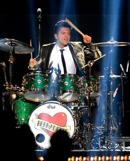 Bravo, Bruno! #HalfTime #SuperBowl http://t.co/OuIzw0g2jH