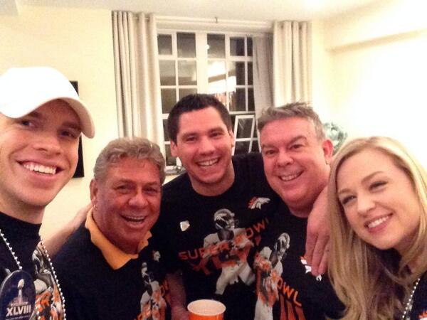 Are you ready for some football? @RadioBethany @elvisduran @AlexCsi @MyUncleJohnny #SB48 http://t.co/KJgBctkIbi