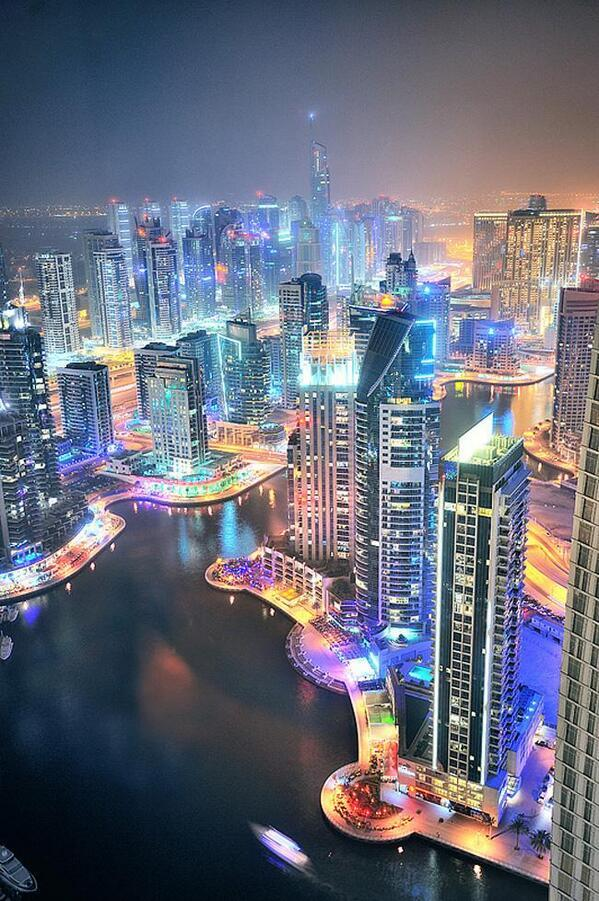 Dubai, the city of lights. http://t.co/5GRCizmIxS via @ThatsEarth
