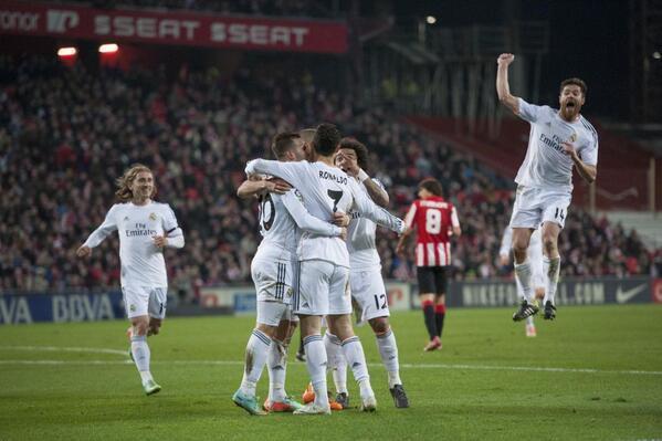 Ojo a la celebración de Xabi Alonso. http://t.co/yl0is27790