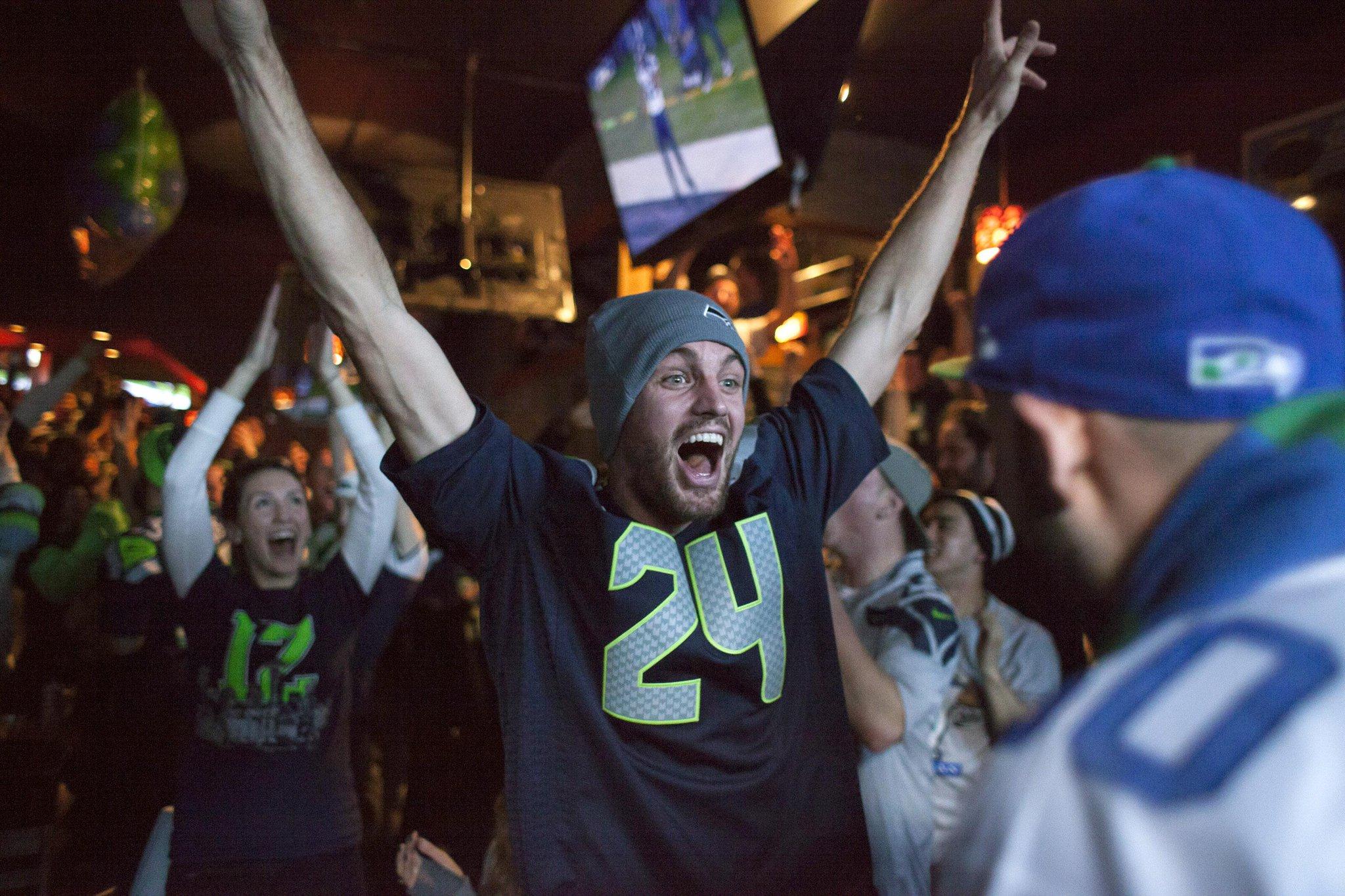 What it feels like in Seattle   (Photo via @usatsportsimage) http://t.co/7KOKsNNQDX