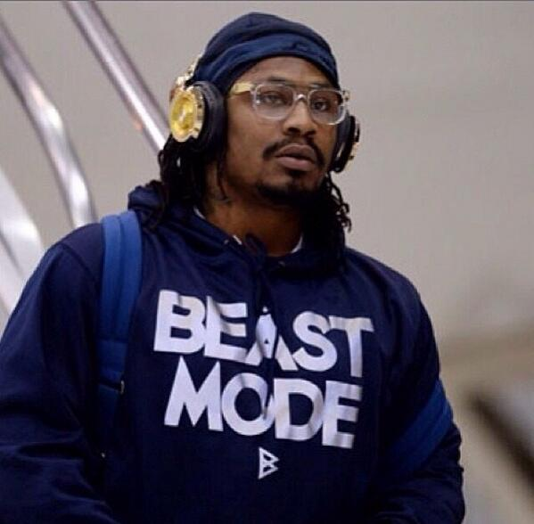 SHAQ (@SHAQ): Congrats to my @monsterproducts fam, Marshawn Lynch aka #beastmode on becoming a world champion. http://t.co/Bf8MvfrIwC