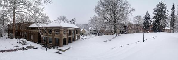 Another scene (Scripps Hall and the amphitheater) @scrippsjschool. http://t.co/GozUHwQMu9