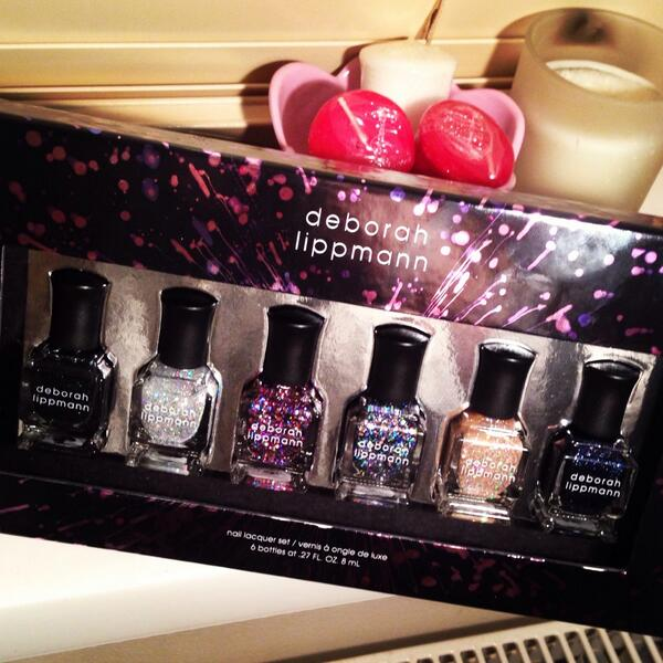 Who wants to win this Deborah Lippmann Starlight set just follow & RT! #bbloggers http://t.co/XIr08tX0RA