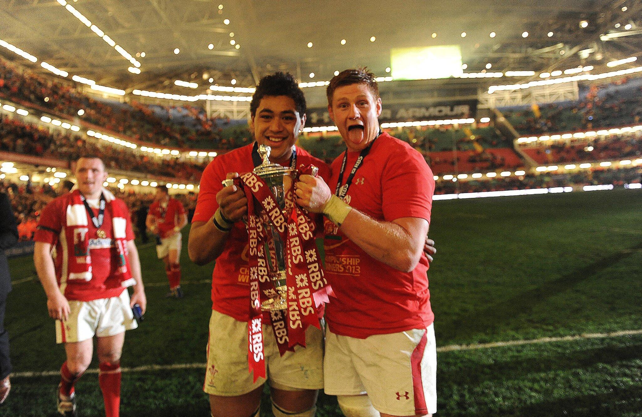 Congratulations to @Coombs_A and @taulupe for being named in the Wales team to face Ireland #DRAGONS http://t.co/LsmHZ599rI