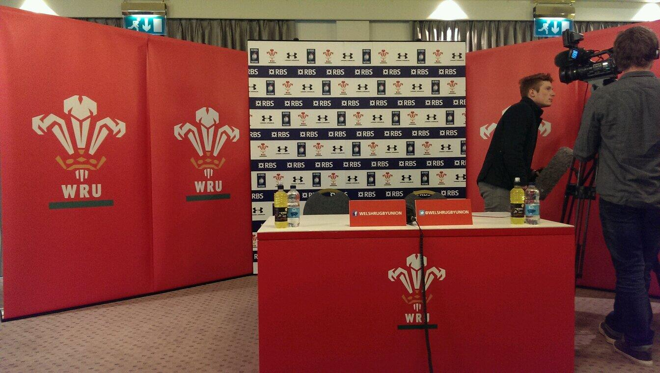 RT @BBCWalesSport: Warren Gatland's press conference to start at 1. We'll bring you live updates. http://t.co/fG5GwKw6Dd