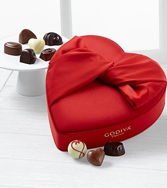 The 1st heart-shaped box of chocolates was created in what year? Answer w/ #FTDTuesdayTrivia and you may win a prize! http://t.co/bykbX6ZuhE