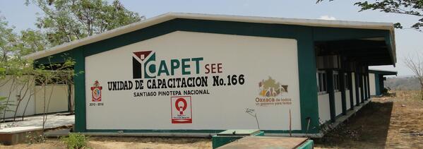 ICAPET Oaxaca (@ICAPETOaxaca): (1) En este 2014, las 11 Unidades de #Capacitación del  ICAPET reciben equipamiento parcial @gc_ivonne @GobOax http://t.co/HUXXbEu7v8