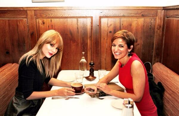 Loved interviewing @taylorswift13 for @glamourmag's 75th anniversary issue. Gorgeous inside and out! http://t.co/jftc6XrpJz