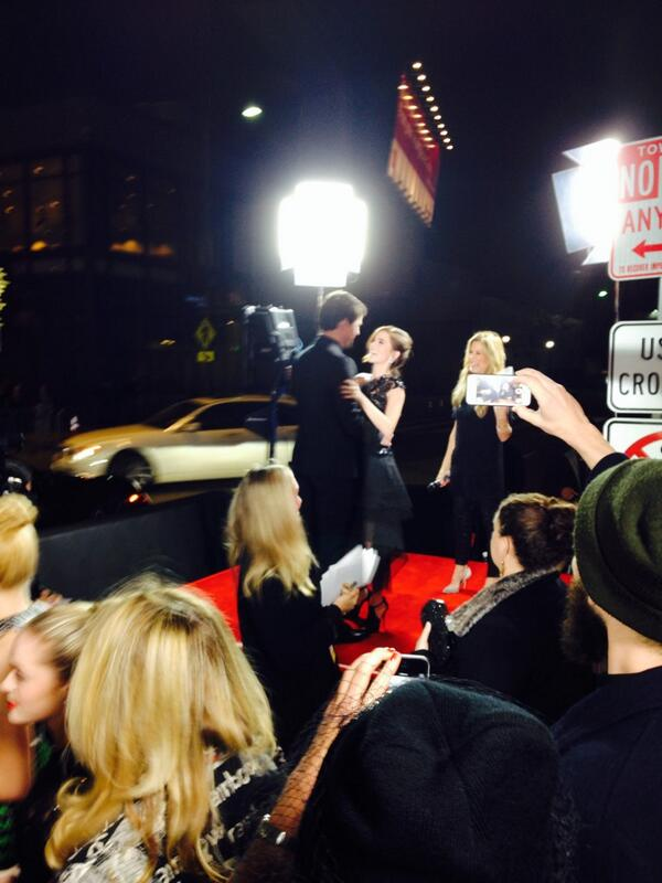 #DanilaKozlovsky ran out of the carpet to hug @ZoeyDeutch at the #VampireAcademy Premiere http://t.co/XyAazHDiIv
