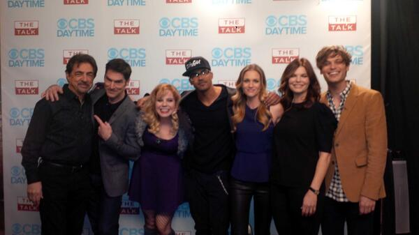 Here's the ENTIRE cast of #criminalminds just before their appearance on #THETALK today! #CM200 http://t.co/PAFqBd3qhc